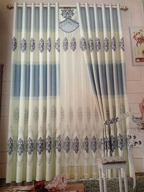 Rèm hoa văn màu xanh