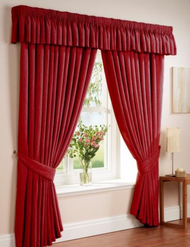 Rèm cửa màu đỏ