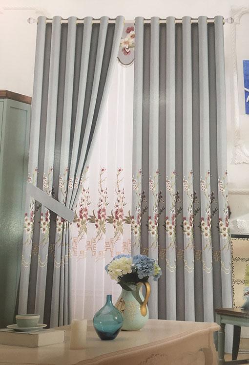 Rèm vải thêu hoa văn màu ghi