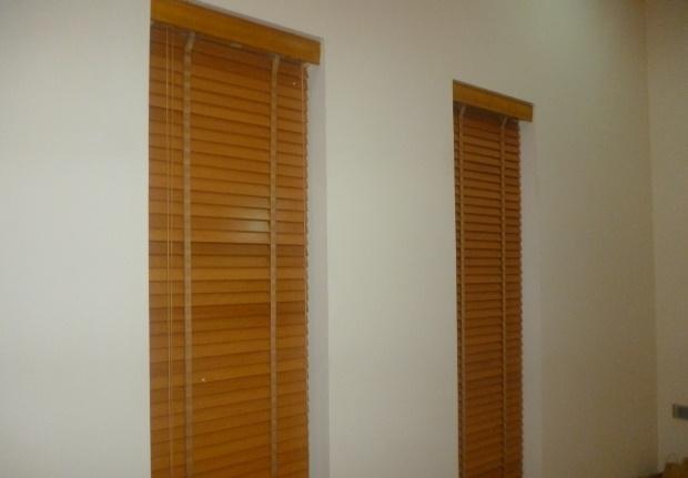 Rèm gỗ là sản phẩm được chúng tôi tư vấn khi lắp lọt khuân cửa